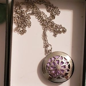 Jewelry - Essential Oil Locket Necklace